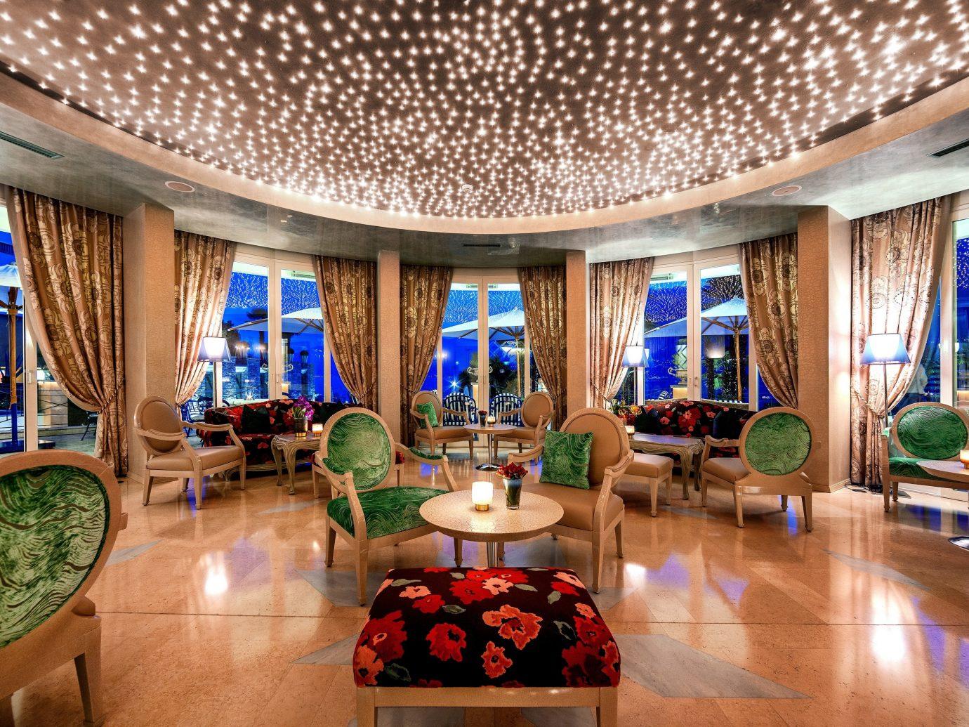 Dining room at Hotel Eden Roc