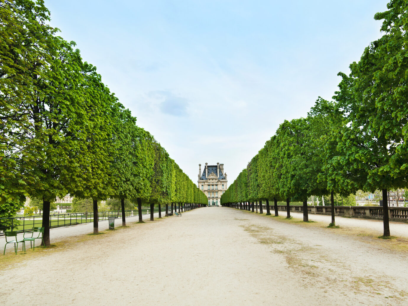Jardin des Tuileries pathway