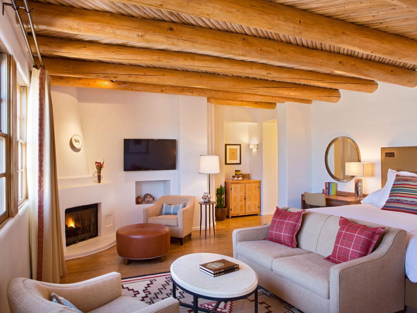 Living room at the Rosewood Inn Anasazi