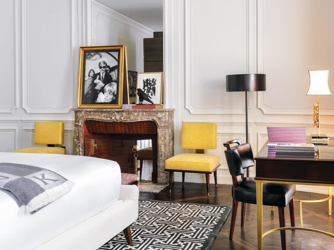 Guest room at J.K. Place Paris